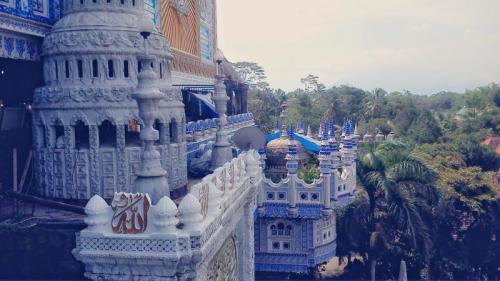 Masjid Tiban Turen. (Foto: Istimewa/Youtube)