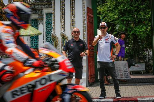 Jorge Lorenzo yakin Marc Marquez tetap tampil kompetitif saat balapan (Foto: Twitter/MotoGP)