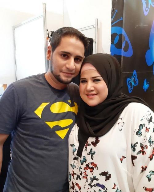 Dhawiya Zaida dan Suami