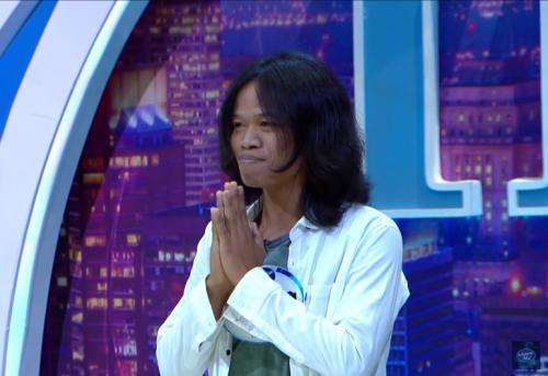 Sukirat ikut audisi Indonesian Idol 2019. (Foto: YouTube/Indonesian Idol)