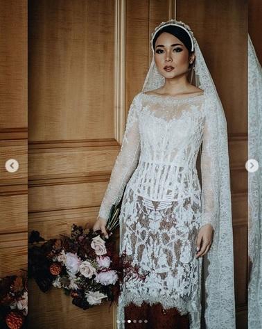 Ayla Dimitri cantik