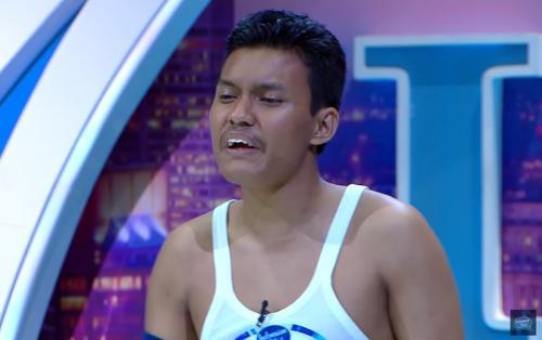Audisi Indonesian Idol 2019 juga dimeriahkan dengan kehadiran Ariep Hidayatullah. (Foto: YouTube/Indonesian Idol)