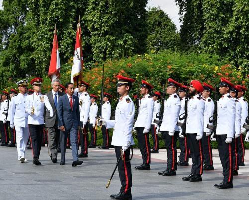 Presiden Jokowi tiba di Singapura (Foto : Biro Pers Setpres)