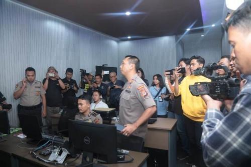 Polres Kulon Progo luncurkan aplikasi Alarm Warga (Alwa) untuk mudahkan warga melapor ke polisi. (Foto : Okezone.com/Puteranegara Batubara)