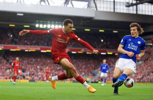 Trent Alexander-Arnold vs Leicester (Foto: Twitter/@LFC)