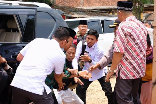 Detik-detik penusukan terhadap Wiranto.