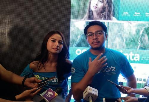 Acha Septriasa dan Deva Mahenra, bintang utama film 99 Nama Cinta. (Foto: Okezone/Ady Prawira Riandi)