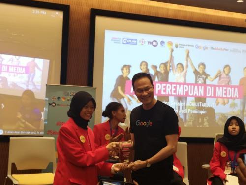 Pelajar asal Blitar Jawa Timur Sabrina Zalsabilla Wahab menceritakan pengalamannya menjadi bos Google dalam sehari.