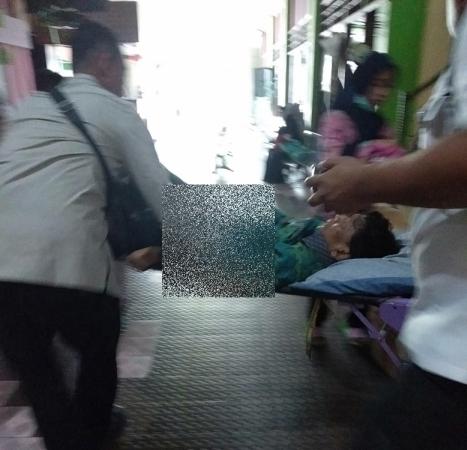 Wiranto pasca-ditusuk teroris. (Foto: Istimewa)