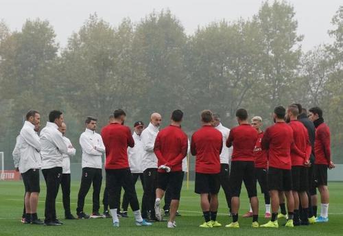Stefano Pioli akan memperbaiki kesalahan itu di lapangan latihan (Foto: AC Milan)