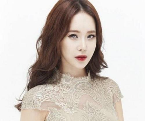 Baek Ji Young.