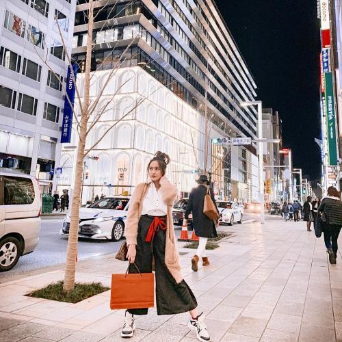 Salshabila Adriani shopping