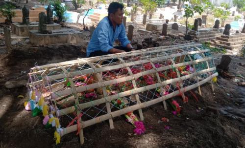 WNI Korban Jembatan Ambruk Taiwan, Dimakamkan di Samping Makam Orangtuanya (foto: Okezone/Fathnur Rohman)