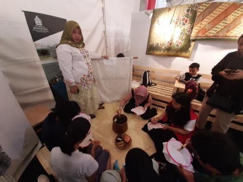 Indonesia yang memiliki banyak teknik pembuatan. Mulai dari yang paling sederhana hingga yang paling rumit.