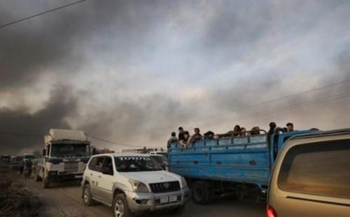 Badan kemanusiaan mengkhawatirkan pengungsi akan mencapai ratusan ribu orang. (BBC Indonesia)