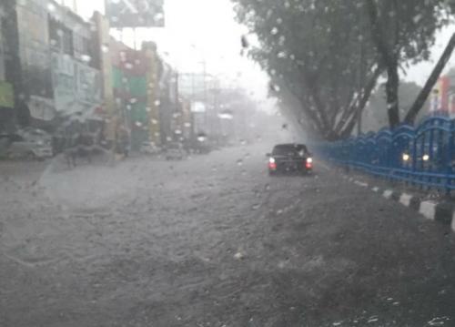 Banjir Pekanbaru (Foto : Okezone/Banda)