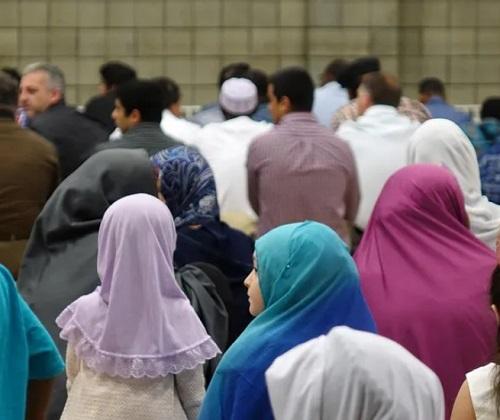 Muslim di Anchorage berbaur dengan baik