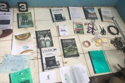 Barang bukti yang diamankan di kediaman terduga teroris di Bekasi. (Ist)