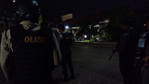 Tim Densus geledah rumah kontrakan terduga teroris di kompleks mewah Bandung