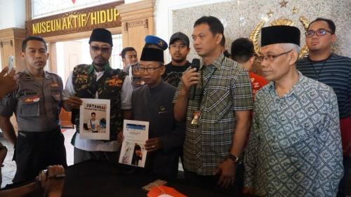 Polrestabes Surabaya ungkap kasus penistaan agama di media sosial. (Foto : Okezone.com/Syaiful Islam)