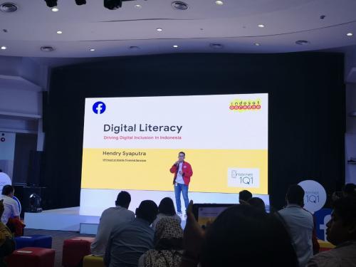 Indosat Ooredoo dan Facebook bekerjasama untuk meluncurkan kampanye Internet 101.