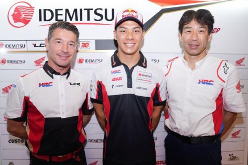 Lucio Cecchinello bersama Takaaki Nakagami (Foto: Twitter/LCR Team)