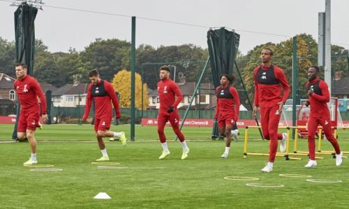 Sesi latihan Liverpool jelang laga kontra Man United