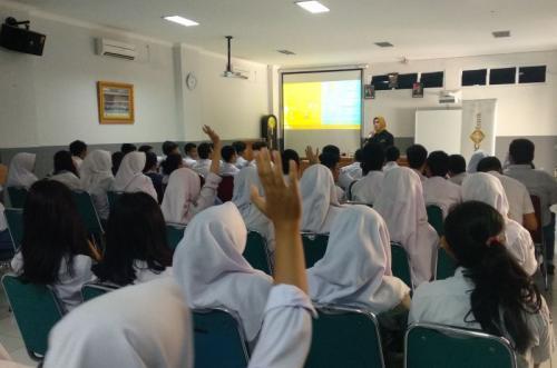 MNC Bank edukasi SMA 1 Kota Bogor (Putra Rama)