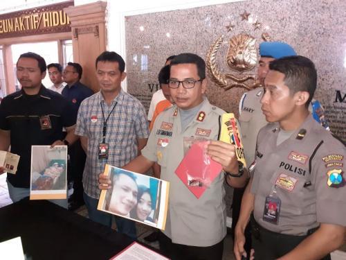 Wakapolrestabes Surabaya, AKBP Leonardus Simarmata dalam Gelar Perkara Suami Bakar Istri di Surabaya, Jawa Timur (foto: Okezone/Syaiful Islam)