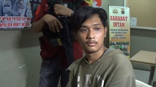 Yolan Saputra, pembunuh kakek 61 tahun karena utang miras. (Foto: Haryanto/iNews)