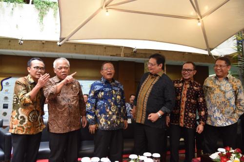 Dibutuhkan Kabinet Menteri Jokowi-Ma'ruf yang Bawa Ekonomi Tumbuh 7%