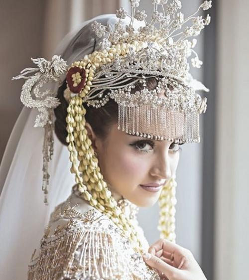 Perempuan menikah