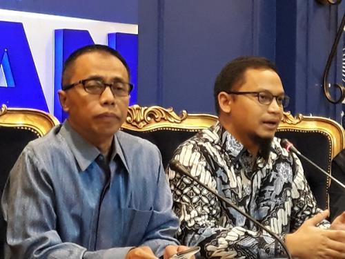 Wakil Ketua Dewan Kehormatan PAN Drajad Wibowo (kiri). (Foto : Okezone.com)