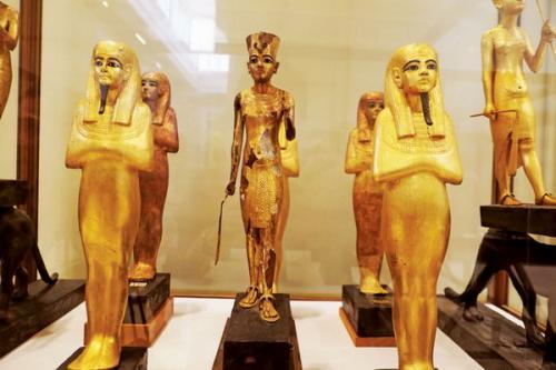 Pergi ke Kairo tanpa mengunjungi Egyptian Museum sama saja bohong