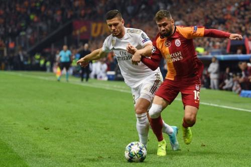 Suasana laga Galatasaray vs Madrid