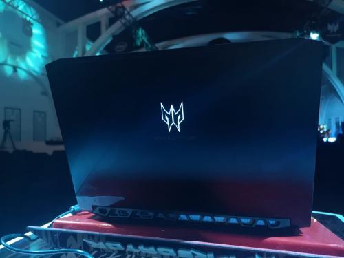 Acer mengumumkan perangkat laptop terbarunya, Predator Triton 300.