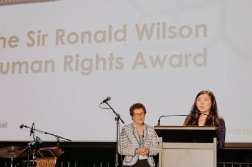 Veronica Koman berpidato pada acara Sir Ronald Wilson Human Rights Award. (Foto: Facebook Veronica Koman)