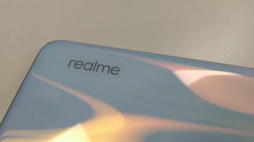 realme mengeluarkan ponsel seri terbaru, realme XT pada hari ini.