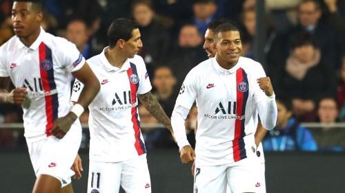 Mbappe dan pemain PSG selebrasi