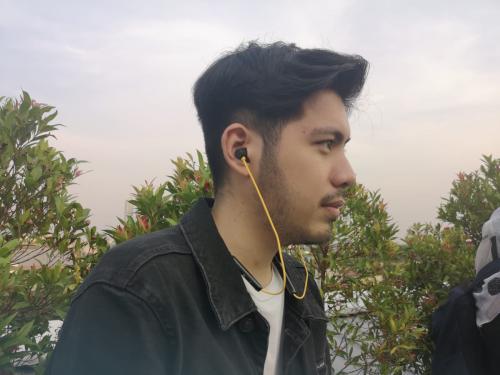 realme resmi merilis earphone nirkabel terbarunya Realme Buds Wireless.