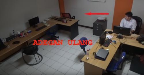kursi di kantor