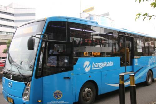 naik Transjakarta