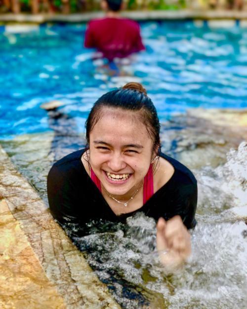 Melati Berenang