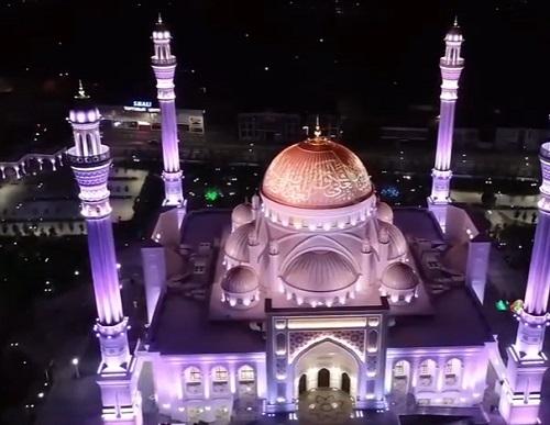 Ajaib Masjid Di Eropa Ini Bisa Berubah Warna Okezone Muslim