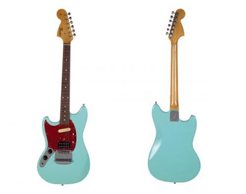 Gitar Fender Kurt Cobain juga terjual senilai Rp4,7 miliar. (Foto: Instagram/@juliens_auctions)
