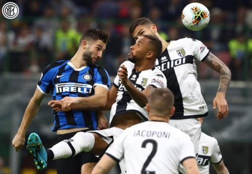 Roberto Gagliardini vs Parma (Foto: Twitter/@Inter_en)