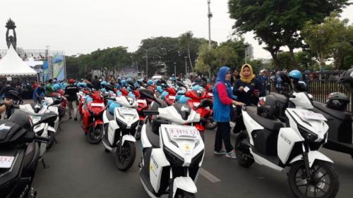 "Ratusan Kendaraan Listrik Siap Ngaspal di Karnaval ""Jakarta Langit Biru 2019"". (Foto : Okezone.com/Achmad Fardiansyah)"
