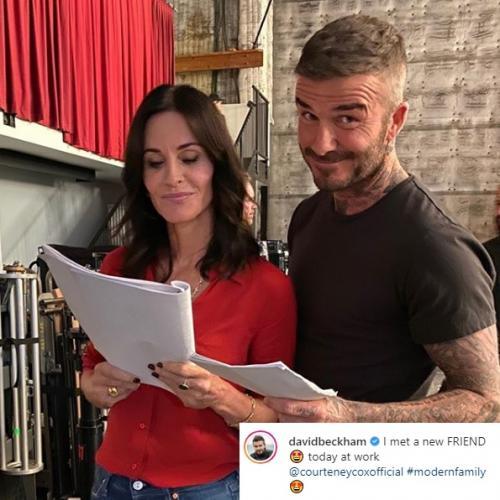 Courtney Cox menikmati hot tub bersama David Beckham di lokasi syuting Modern Family. (Foto: Instagram/@davidbeckham)