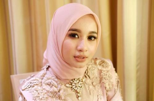 Laudya Cynthia Bella berharap permasalahan Medina Zein dan Irwansyah bisa diselesaikan secara internal. (Foto: Instagram/@laudyacynthiabella)