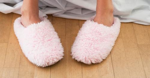 Sandal putih